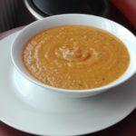 Pittige rode linzensoep met currykruiden